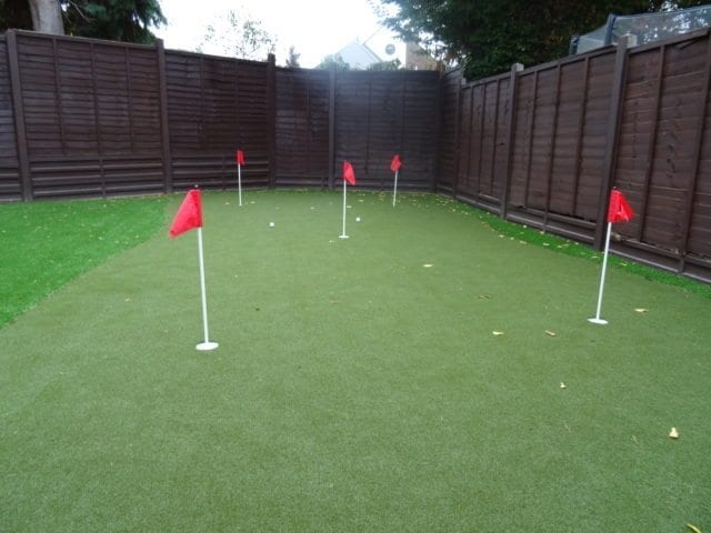 Garden with putting green