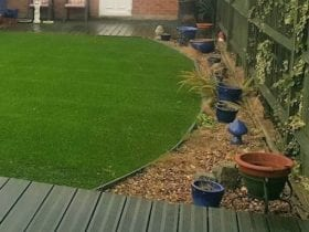 Cool Curved Lawn