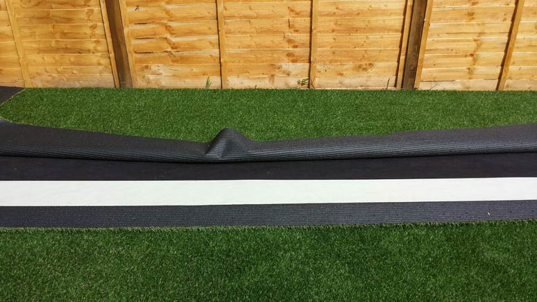 Laying artificial grass - Step 9