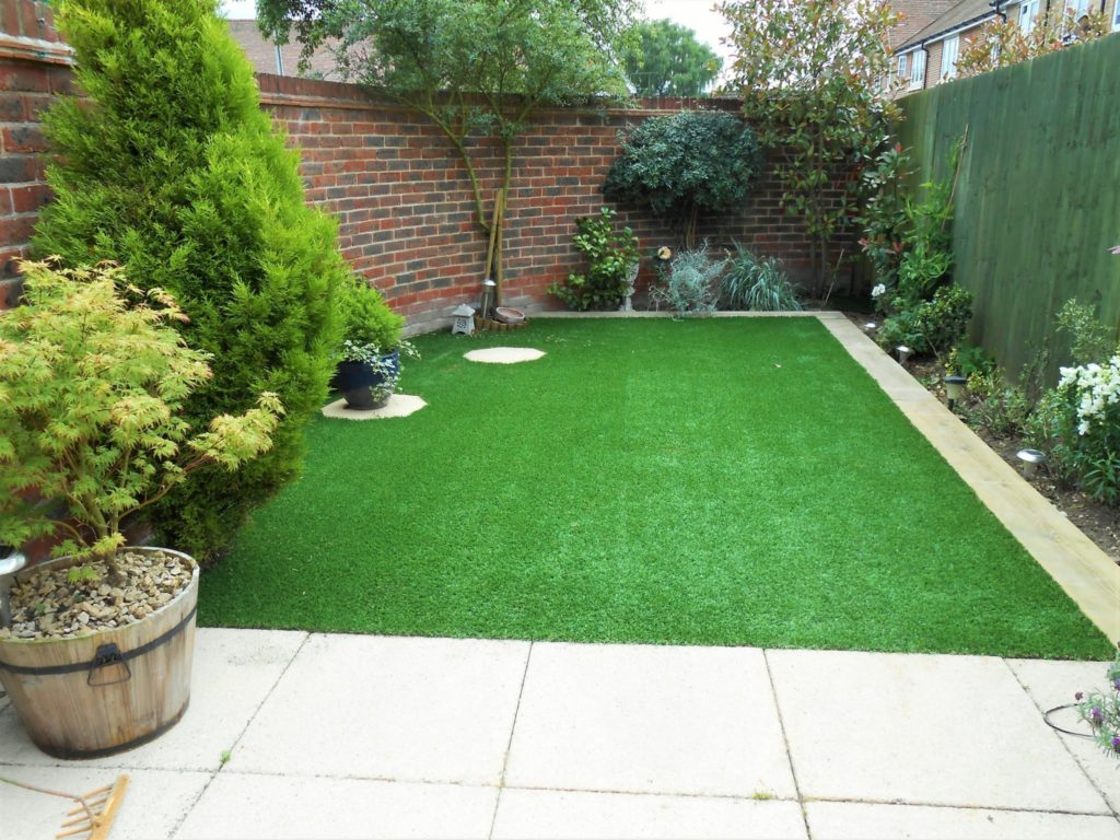 Love the Look: Artificial Grass and Patios 2